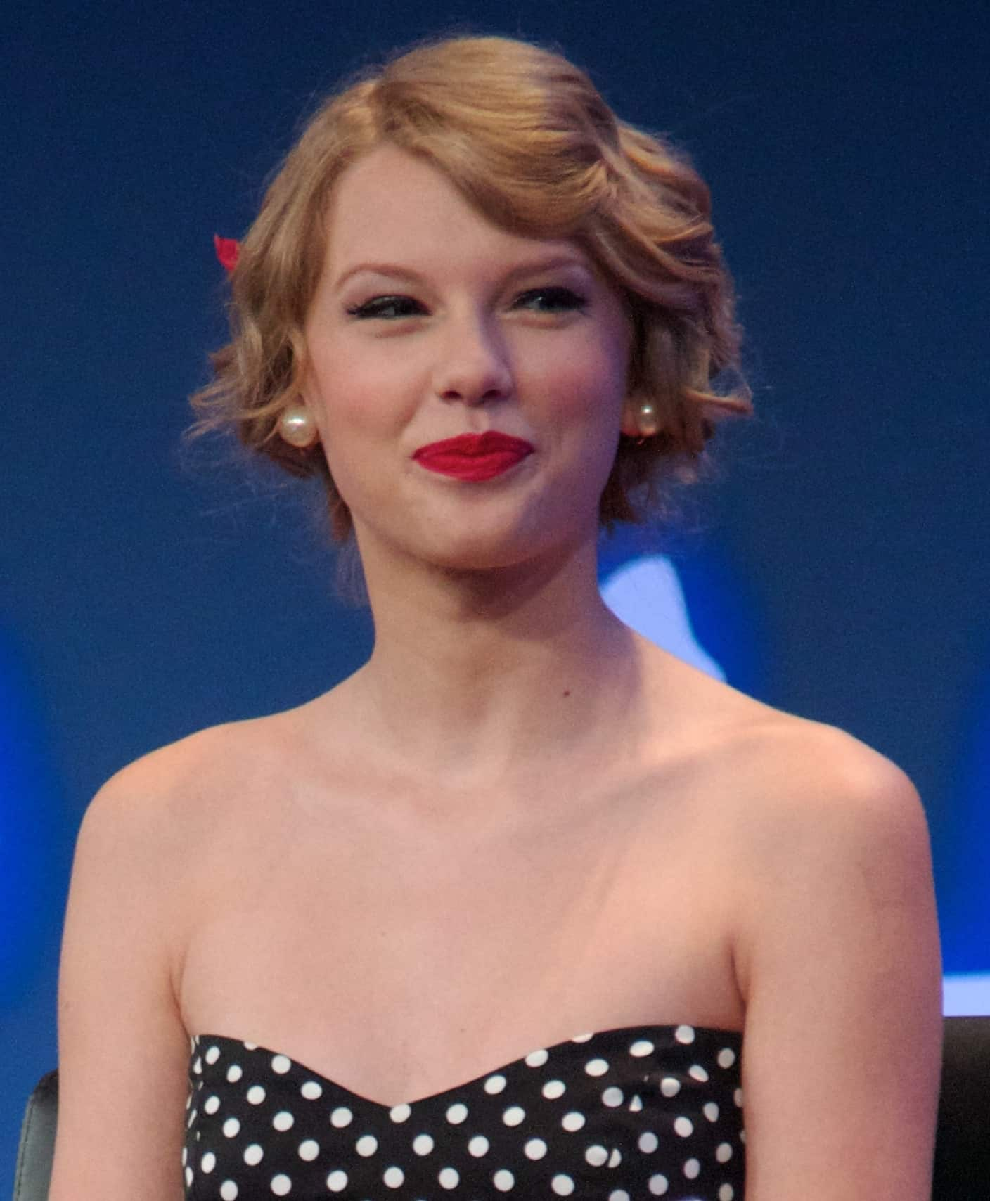 Young Taylor Swift in 2011